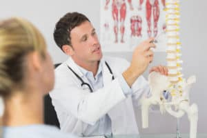 Difference Between A Chiropractor and a Physical Therapist